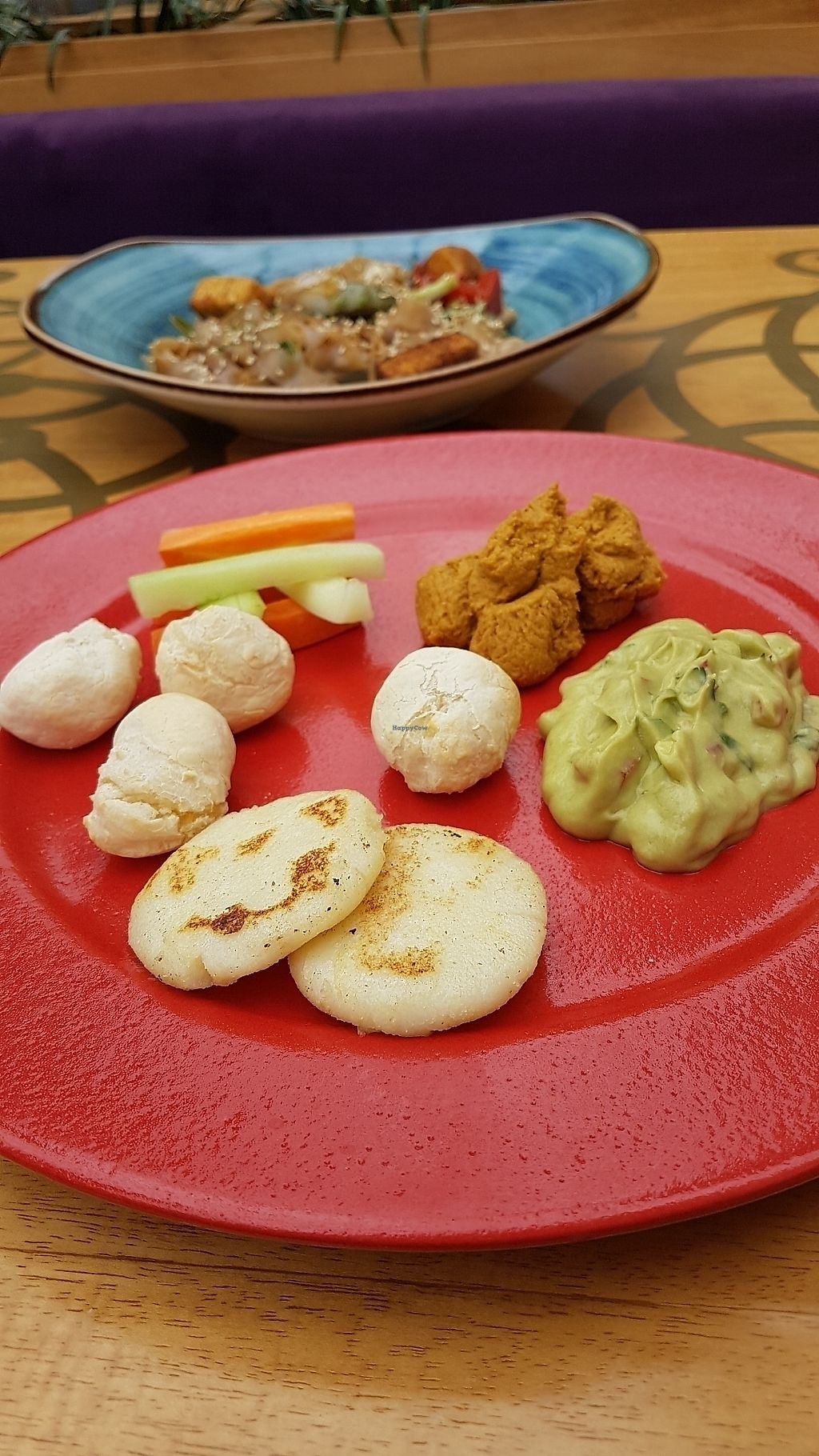 """Photo of Veda Restaurante  by <a href=""""/members/profile/unabashed"""">unabashed</a> <br/>appetizer (hummus, guac, veggies, awesome GF bread) <br/> August 29, 2017  - <a href='/contact/abuse/image/95473/298727'>Report</a>"""