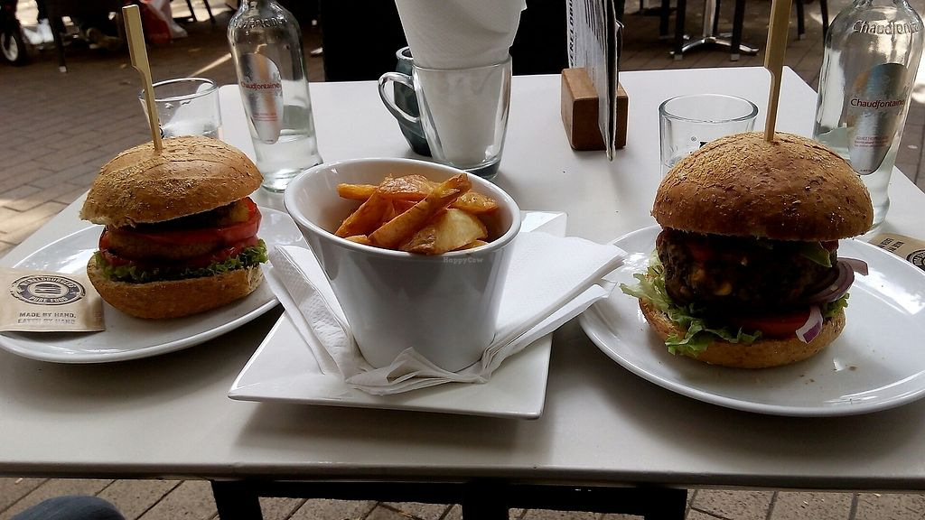 "Photo of Wereldburgers  by <a href=""/members/profile/RC1"">RC1</a> <br/>vegan burgers  <br/> August 28, 2017  - <a href='/contact/abuse/image/95575/298311'>Report</a>"