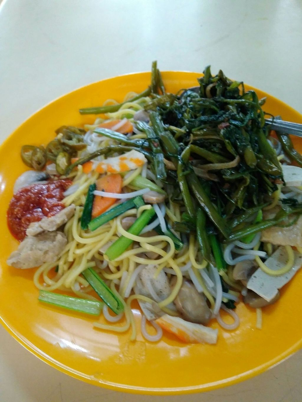 "Photo of Tian Yuan Vegetarian Stall  by <a href=""/members/profile/RichardLee"">RichardLee</a> <br/>Hokkien Noodle with added Kang Kong vegetable <br/> July 11, 2017  - <a href='/contact/abuse/image/95637/278970'>Report</a>"