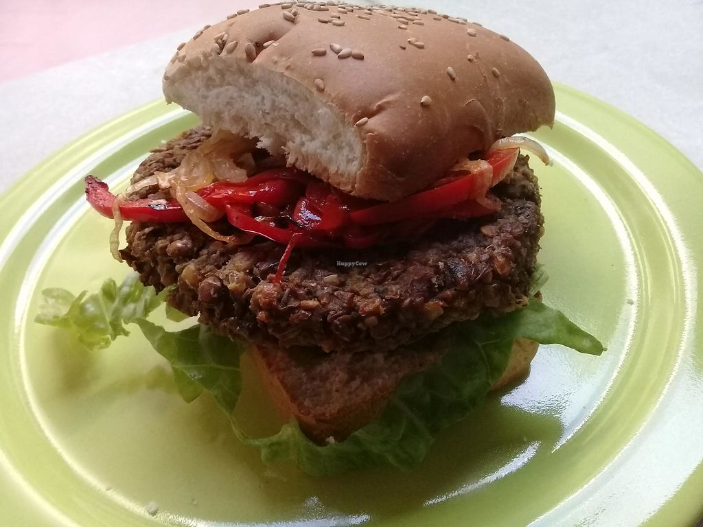 """Photo of Figlia Natural  by <a href=""""/members/profile/Valeriaeze"""">Valeriaeze</a> <br/>Hamburguesas veganas <br/> July 11, 2017  - <a href='/contact/abuse/image/95651/278940'>Report</a>"""