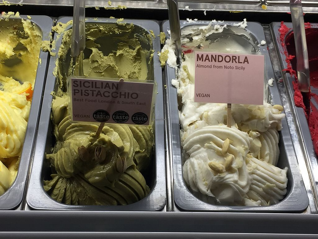 """Photo of La Gelatiera  by <a href=""""/members/profile/lola131"""">lola131</a> <br/>Vegan flavors  <br/> December 30, 2017  - <a href='/contact/abuse/image/95781/341100'>Report</a>"""