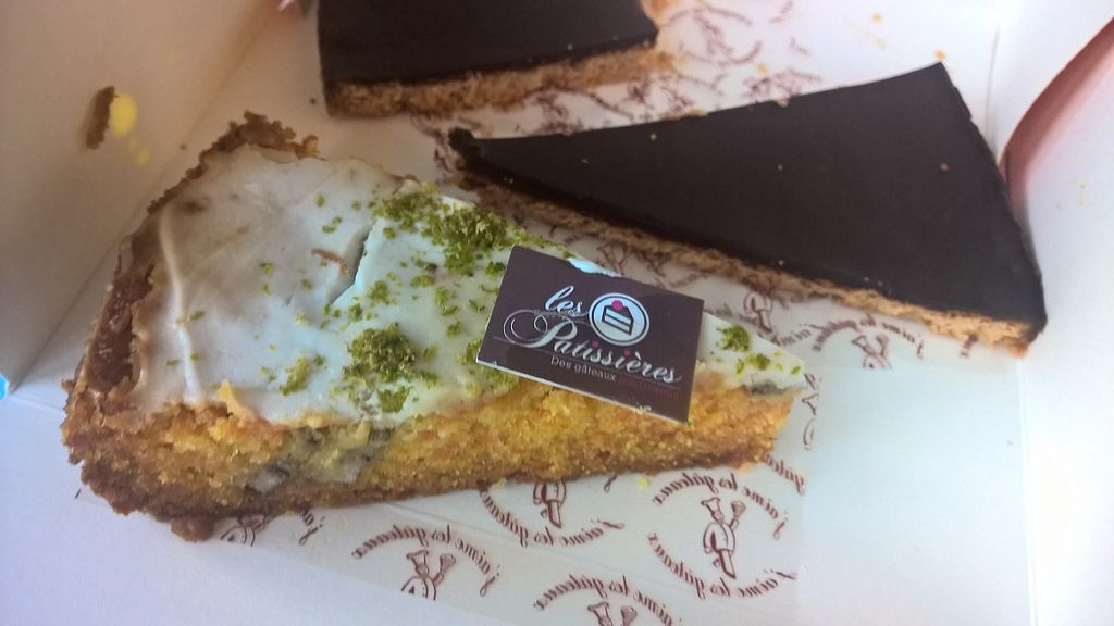 "Photo of Les Patissieres  by <a href=""/members/profile/Happy%20Caro"">Happy Caro</a> <br/>Vegan carrot cake and chocolats coconut pie : Delicious! <br/> July 10, 2017  - <a href='/contact/abuse/image/95881/278746'>Report</a>"
