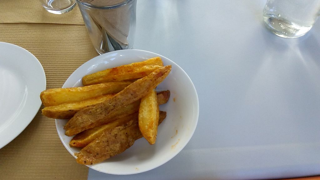 """Photo of Kardamon  by <a href=""""/members/profile/MariannaGiannakopoul"""">MariannaGiannakopoul</a> <br/>Fried potatoes with garlic and herb flavor <br/> September 20, 2017  - <a href='/contact/abuse/image/95927/306353'>Report</a>"""