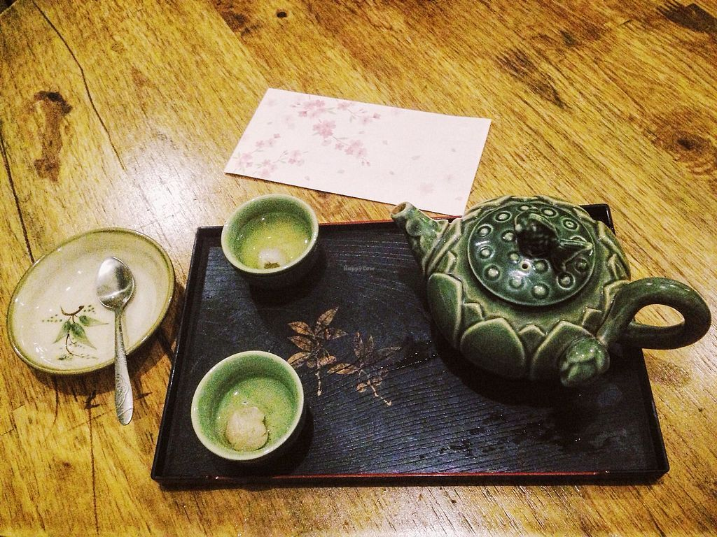 """Photo of Tinh Tam Tra  by <a href=""""/members/profile/Trambau"""">Trambau</a> <br/>Jasmine tea set served with dried longan <br/> April 3, 2018  - <a href='/contact/abuse/image/95959/380049'>Report</a>"""