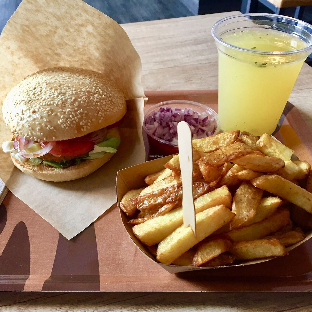 """Photo of Voodies  by <a href=""""/members/profile/burgerabroad"""">burgerabroad</a> <br/>cheeseburger menu <br/> August 28, 2017  - <a href='/contact/abuse/image/96059/298270'>Report</a>"""