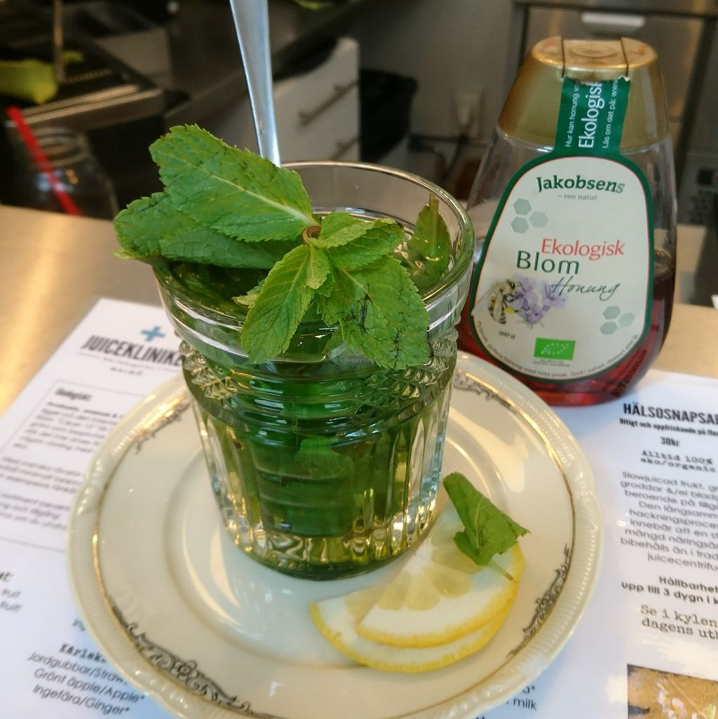 "Photo of Juicekliniken  by <a href=""/members/profile/AnnikaSellgren"">AnnikaSellgren</a> <br/>Mint tea with organic honey <br/> July 20, 2017  - <a href='/contact/abuse/image/96134/282429'>Report</a>"