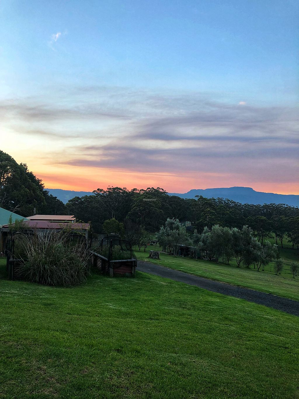 """Photo of Back 2 Earth B&B  by <a href=""""/members/profile/JennyHammond"""">JennyHammond</a> <br/>Glorious sunset  <br/> March 4, 2018  - <a href='/contact/abuse/image/96289/366421'>Report</a>"""