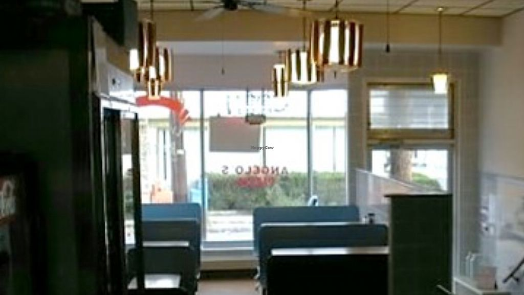 """Photo of Angelo's Pizzeria  by <a href=""""/members/profile/KimHale-Yim"""">KimHale-Yim</a> <br/>dining room <br/> July 28, 2017  - <a href='/contact/abuse/image/96308/285980'>Report</a>"""