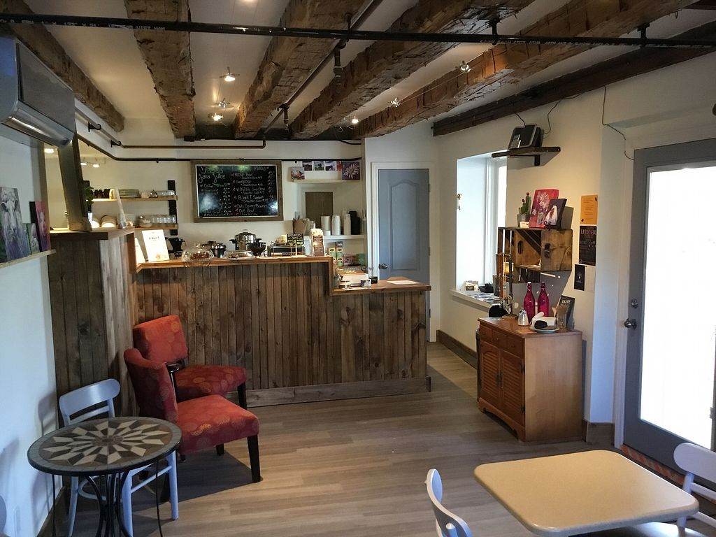 """Photo of VEDGE Smoothie Cafe  by <a href=""""/members/profile/SherriMcKnight"""">SherriMcKnight</a> <br/>Where the magic happens <br/> October 24, 2017  - <a href='/contact/abuse/image/96321/318401'>Report</a>"""