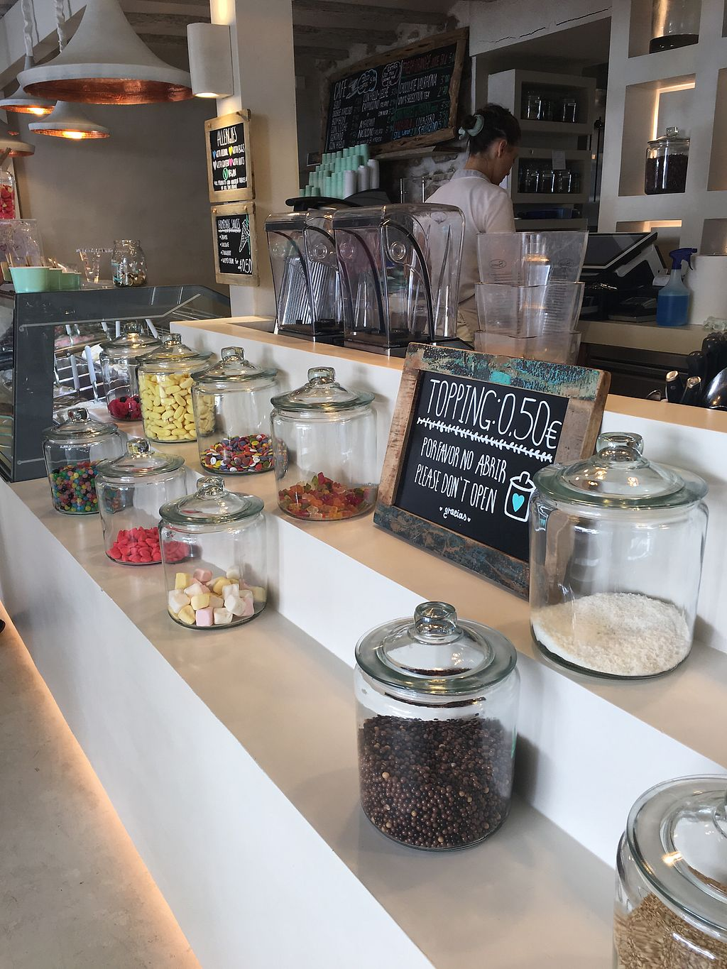 "Photo of Vivi's Creamery  by <a href=""/members/profile/Noe"">Noe</a> <br/>toppings <br/> September 14, 2017  - <a href='/contact/abuse/image/96323/304180'>Report</a>"