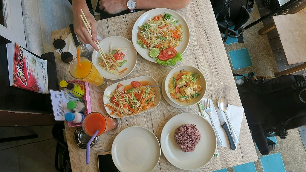 """Photo of Dow Vegetarian Restaurant  by <a href=""""/members/profile/Nikolate"""">Nikolate</a> <br/>pad thai, som tum, massaman curry <br/> February 19, 2018  - <a href='/contact/abuse/image/96395/361319'>Report</a>"""