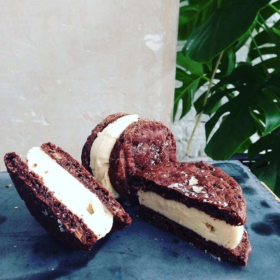 "Photo of Tribeca Ice Cream  by <a href=""/members/profile/Hermann"">Hermann</a> <br/>vegan, gluten free ice cream sandwich, no refined sugar <br/> December 5, 2017  - <a href='/contact/abuse/image/96402/332465'>Report</a>"