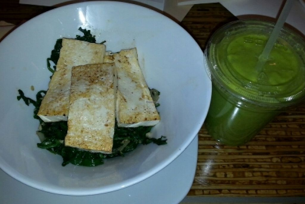 """Photo of REMOVED: Venetian Hotel - Canyon Ranch Cafe  by <a href=""""/members/profile/slithers"""">slithers</a> <br/>Ancient grains bowl with Tofu add-on & green smoothie <br/> March 17, 2016  - <a href='/contact/abuse/image/9658/207740'>Report</a>"""