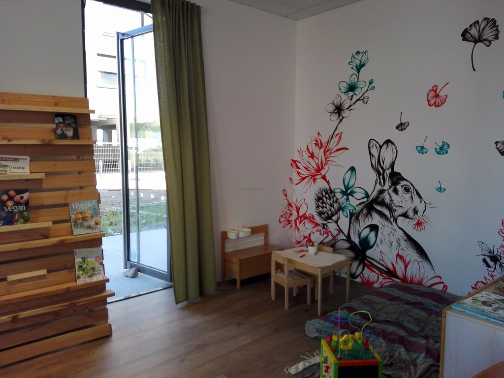 """Photo of L'Ere Vegane  by <a href=""""/members/profile/FlorianPerrin"""">FlorianPerrin</a> <br/>Space for kids with toys, tables and bed <br/> August 17, 2017  - <a href='/contact/abuse/image/96616/293659'>Report</a>"""