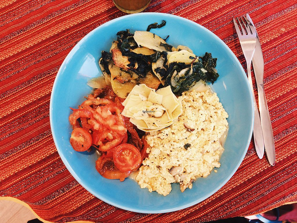 """Photo of L'Ere Vegane  by <a href=""""/members/profile/jenny_noisy"""">jenny_noisy</a> <br/>omelette, potatoes and spinach, so delicious! <br/> September 27, 2017  - <a href='/contact/abuse/image/96616/309063'>Report</a>"""