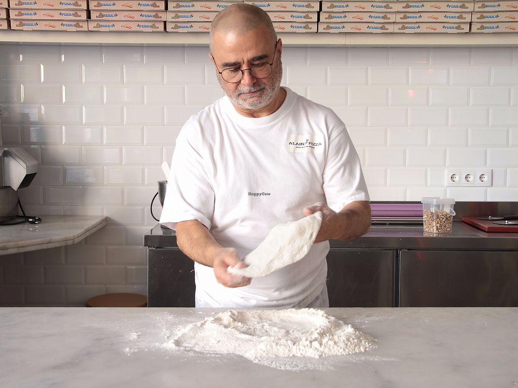 """Photo of Alain Pizza  by <a href=""""/members/profile/NicolasVitre"""">NicolasVitre</a> <br/>Artisanal pizza <br/> December 29, 2017  - <a href='/contact/abuse/image/96618/340649'>Report</a>"""