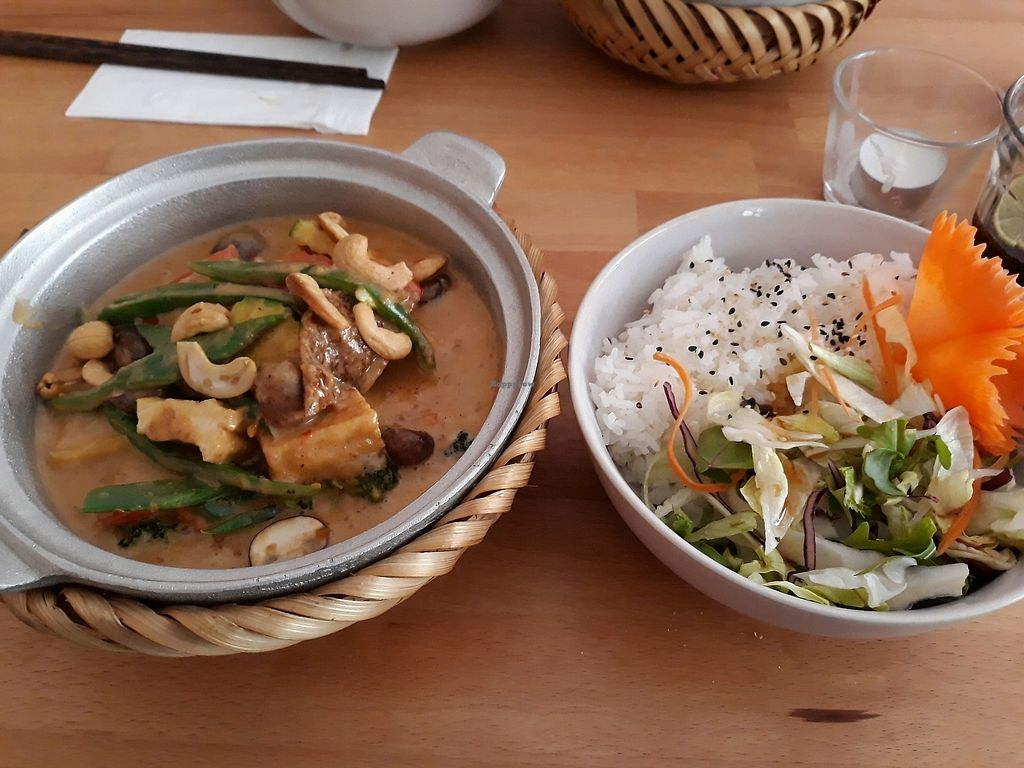 """Photo of +84 Asian Restaurant  by <a href=""""/members/profile/HannaStra%C3%9Fburger"""">HannaStraßburger</a> <br/>Peanut Princess  <br/> April 15, 2018  - <a href='/contact/abuse/image/96619/386289'>Report</a>"""