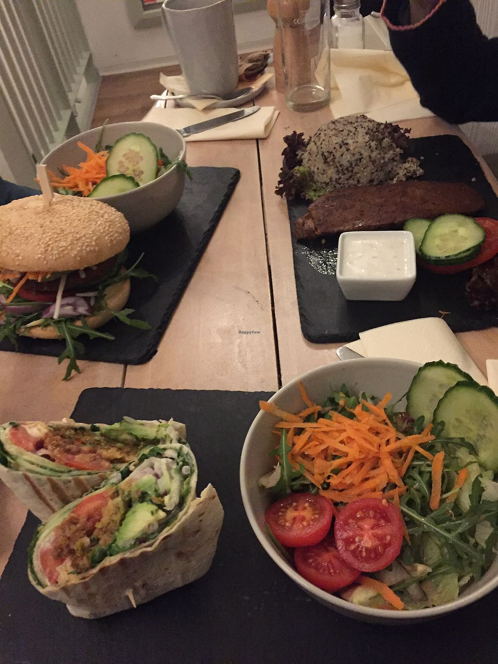 """Photo of Veggiezz - Opernring  by <a href=""""/members/profile/Enivid"""">Enivid</a> <br/>A steak, a burger, and a wrap <br/> January 10, 2018  - <a href='/contact/abuse/image/96634/345128'>Report</a>"""