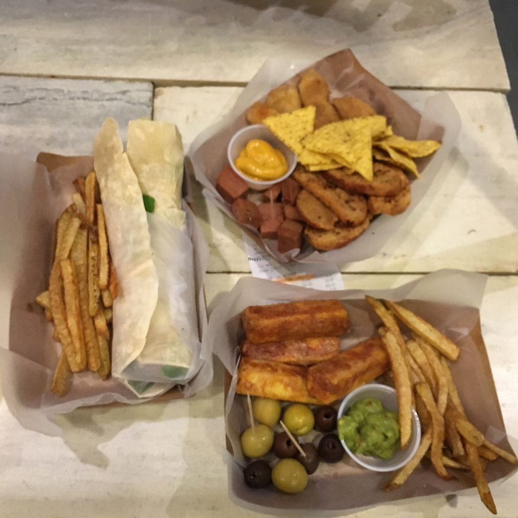 """Photo of Estilo Veggie  by <a href=""""/members/profile/waiem"""">waiem</a> <br/>falafel wrap and tapas <br/> July 23, 2017  - <a href='/contact/abuse/image/96764/283735'>Report</a>"""