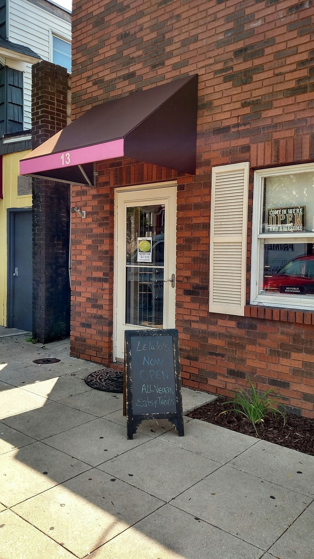 "Photo of Lelulo's  by <a href=""/members/profile/RosieTheVegan"">RosieTheVegan</a> <br/>Front of Lelulo's <br/> July 22, 2017  - <a href='/contact/abuse/image/96777/283121'>Report</a>"