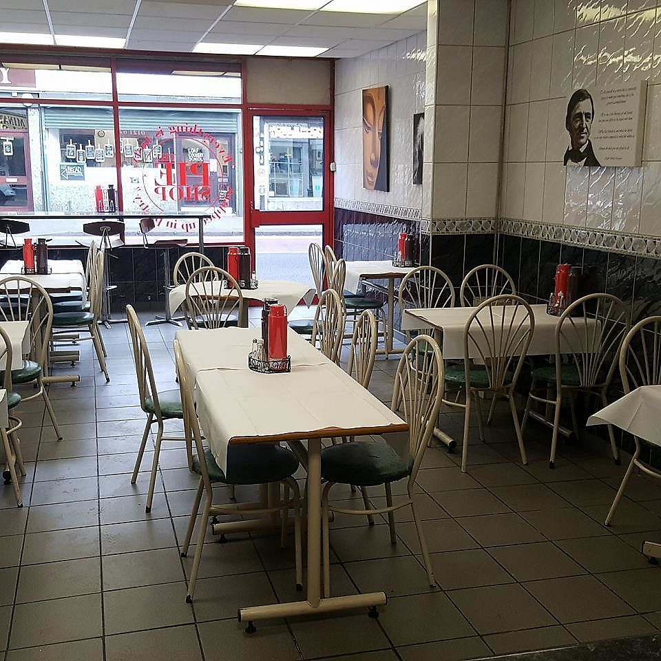 """Photo of The Pie Shop  by <a href=""""/members/profile/JohnnySensible"""">JohnnySensible</a> <br/>Inside - 20+ seats <br/> July 24, 2017  - <a href='/contact/abuse/image/96898/284257'>Report</a>"""