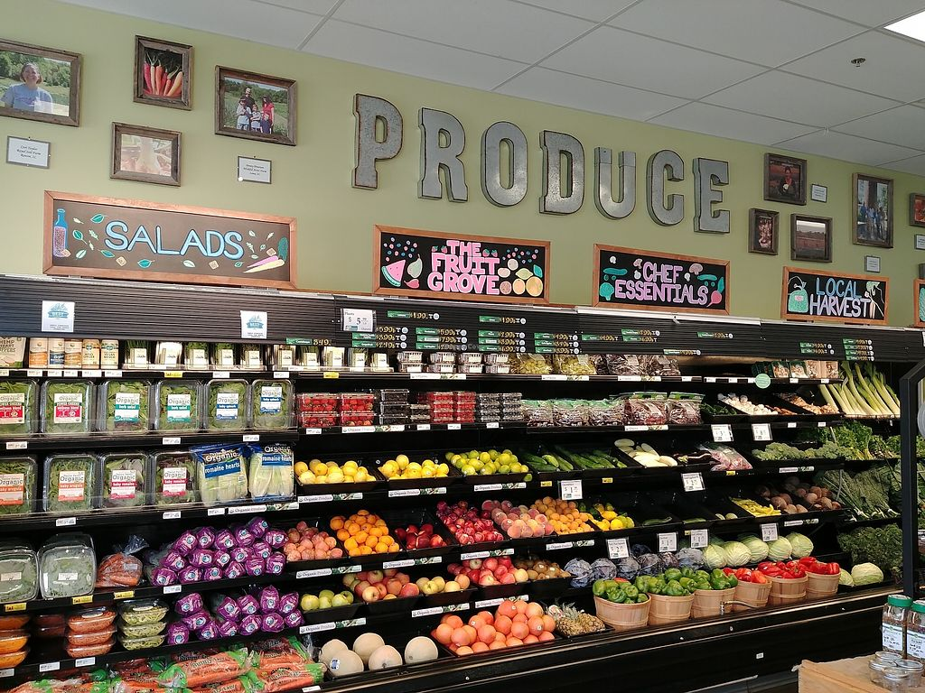 """Photo of Choices Natural Market  by <a href=""""/members/profile/PlantSim"""">PlantSim</a> <br/>The best produce in town! Staff combs through the produce multiple times per day so the freshest selection is available. They even have baskets for """"Second Chance"""" produce that is priced at a fraction of the usual cost <br/> August 22, 2017  - <a href='/contact/abuse/image/9689/295855'>Report</a>"""