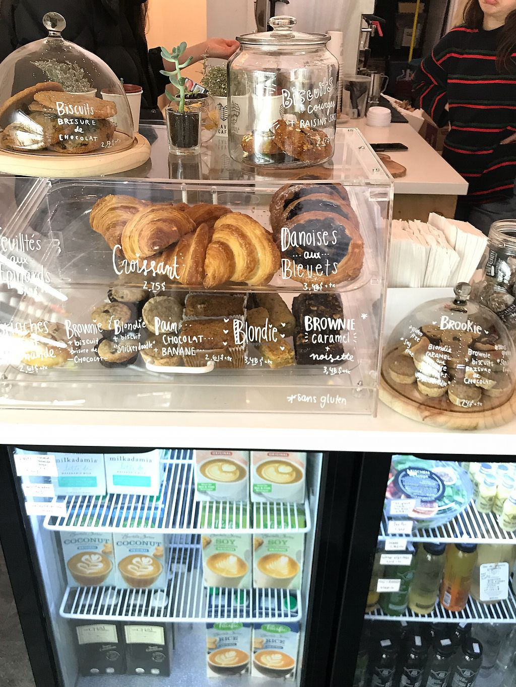 "Photo of Leaves Cafe  by <a href=""/members/profile/prettywholesome"">prettywholesome</a> <br/>Tasty pastries ? <br/> February 20, 2018  - <a href='/contact/abuse/image/96956/361736'>Report</a>"