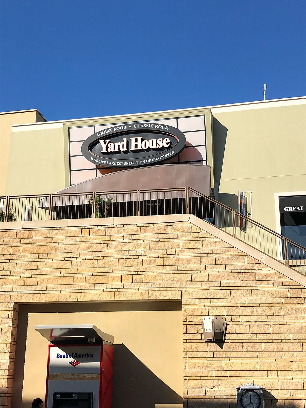 """Photo of Yard House  by <a href=""""/members/profile/Mattie_C"""">Mattie_C</a> <br/>Yard House  <br/> February 28, 2018  - <a href='/contact/abuse/image/96975/364952'>Report</a>"""