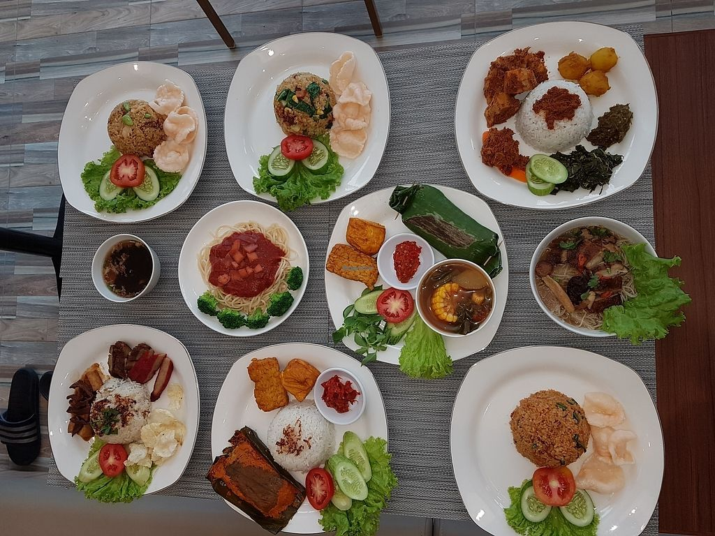 """Photo of Semai Citta Cafe & Bistro  by <a href=""""/members/profile/WandyChai"""">WandyChai</a> <br/>sample of food choice  <br/> October 7, 2017  - <a href='/contact/abuse/image/97003/312660'>Report</a>"""