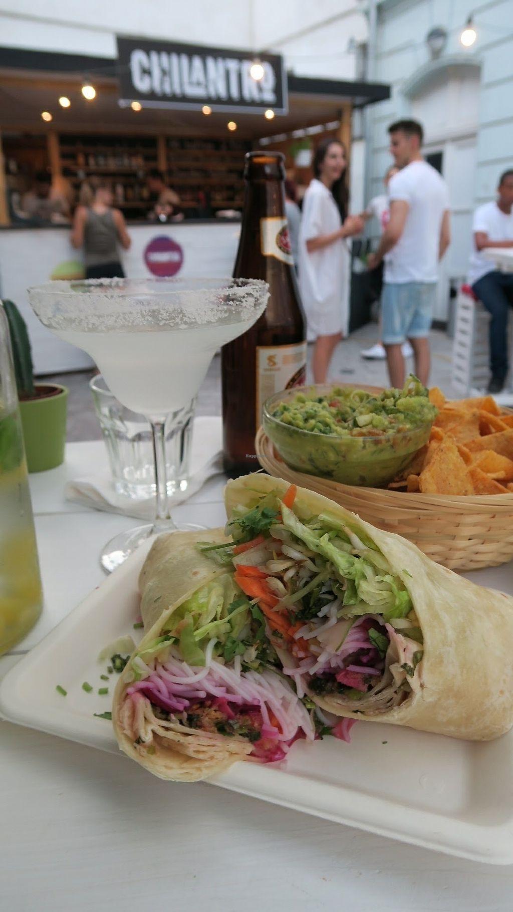 "Photo of Chilantro Garden Bar  by <a href=""/members/profile/Nikolate"">Nikolate</a> <br/>Guacamole with nachos and asian fusion burrito <br/> September 13, 2017  - <a href='/contact/abuse/image/97010/304017'>Report</a>"