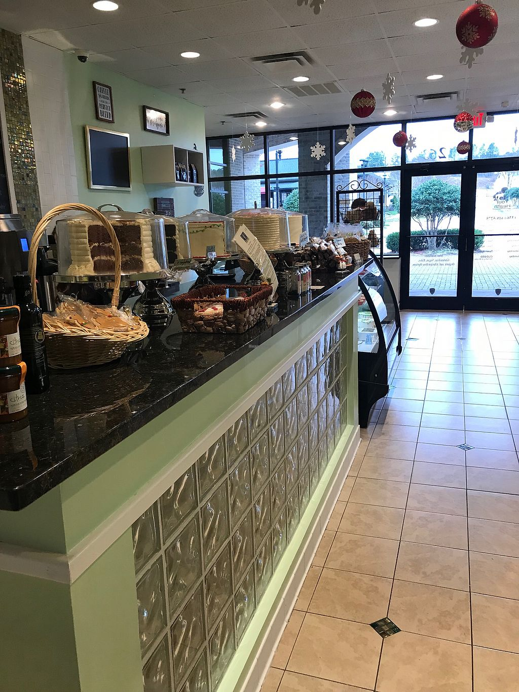 """Photo of To Your Health Bakery  by <a href=""""/members/profile/ChristinaCatherine"""">ChristinaCatherine</a> <br/>Cakes!  <br/> December 3, 2017  - <a href='/contact/abuse/image/97141/331729'>Report</a>"""