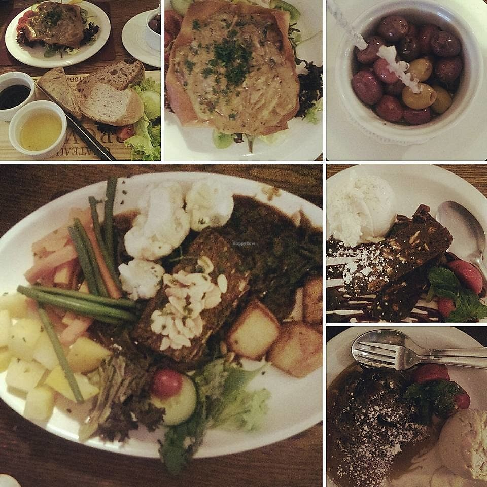 "Photo of The Polecat Inn  by <a href=""/members/profile/LouiseWhitehouse"">LouiseWhitehouse</a> <br/>A selection of vegan dishes, including lentil nut roast, chocolate parfait & vegan sticky toffee pudding! <br/> October 18, 2017  - <a href='/contact/abuse/image/97184/316316'>Report</a>"