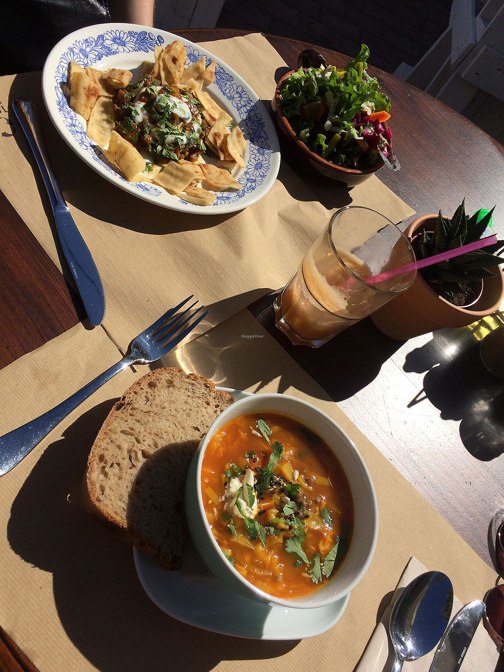 "Photo of Bistro Arbol  by <a href=""/members/profile/EvaDelagrange"">EvaDelagrange</a> <br/>Luch vegan  <br/> March 29, 2018  - <a href='/contact/abuse/image/97212/377714'>Report</a>"