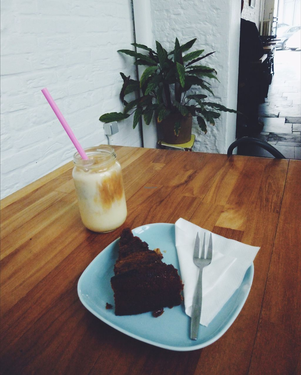 "Photo of Vero Caffe  by <a href=""/members/profile/unmond"">unmond</a> <br/>Peanut Butter Banana Cake w/ Iced Soy Latte <br/> July 30, 2017  - <a href='/contact/abuse/image/97393/286556'>Report</a>"