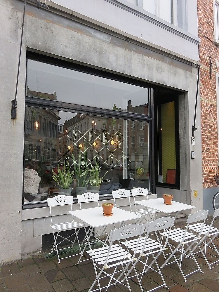 "Photo of Vero Caffe  by <a href=""/members/profile/TrudiBruges"">TrudiBruges</a> <br/>front, terrace <br/> December 1, 2017  - <a href='/contact/abuse/image/97393/331074'>Report</a>"