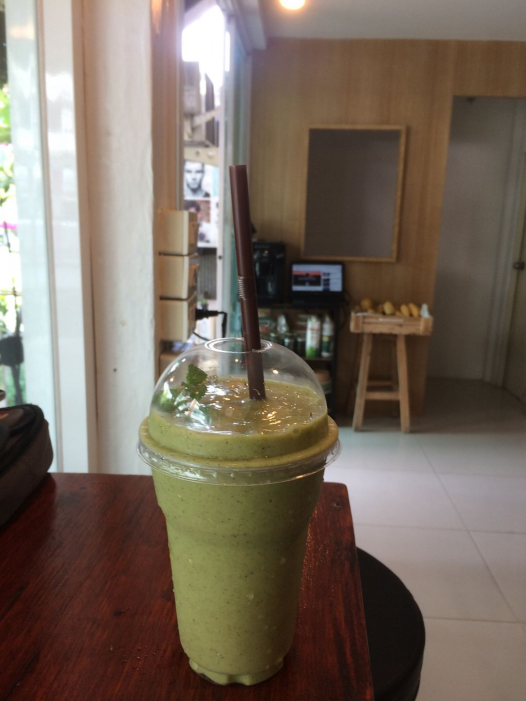 "Photo of Starfruit Smoothie  by <a href=""/members/profile/nicohahn"">nicohahn</a> <br/>Green smoothie  <br/> September 11, 2017  - <a href='/contact/abuse/image/97418/303180'>Report</a>"