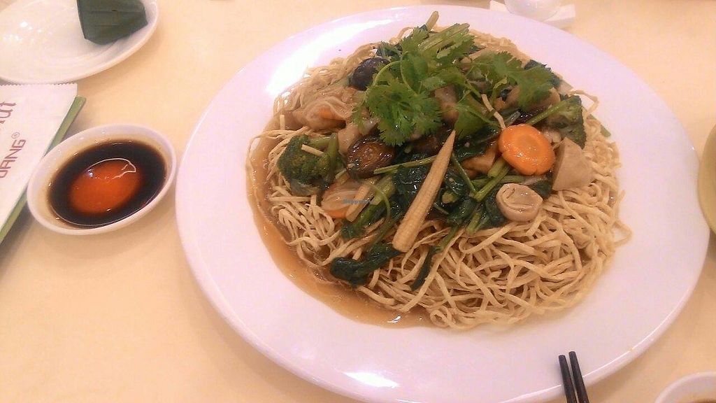 """Photo of Loving Hut Hoa Dang  by <a href=""""/members/profile/Trambau"""">Trambau</a> <br/>Crispy fried noodles!! <br/> January 9, 2018  - <a href='/contact/abuse/image/9742/344606'>Report</a>"""