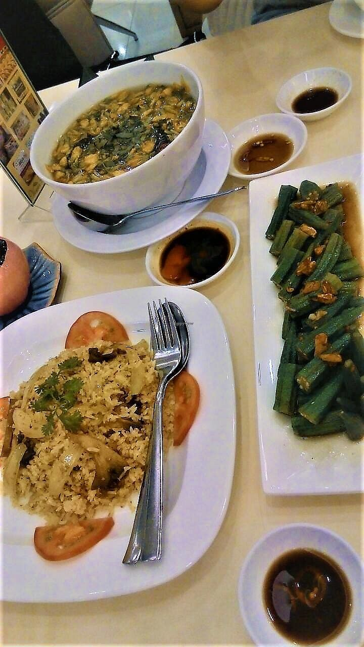 """Photo of Loving Hut Hoa Dang  by <a href=""""/members/profile/Trambau"""">Trambau</a> <br/>Canh điên điển, spicy fried rice with lemongrass and mushroom, stirfired okra with garlic <br/> January 9, 2018  - <a href='/contact/abuse/image/9742/344607'>Report</a>"""