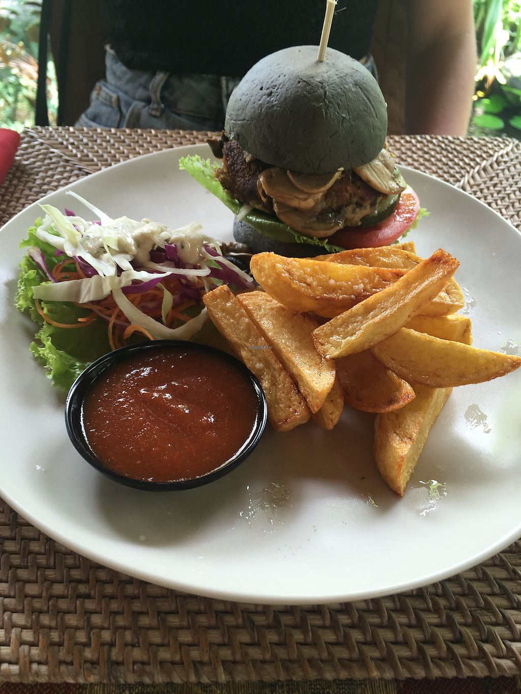 "Photo of Taragon Ubud  by <a href=""/members/profile/EmilyHansson"">EmilyHansson</a> <br/>Veggie burger with coconut charcoal bun <br/> December 16, 2017  - <a href='/contact/abuse/image/97456/336054'>Report</a>"