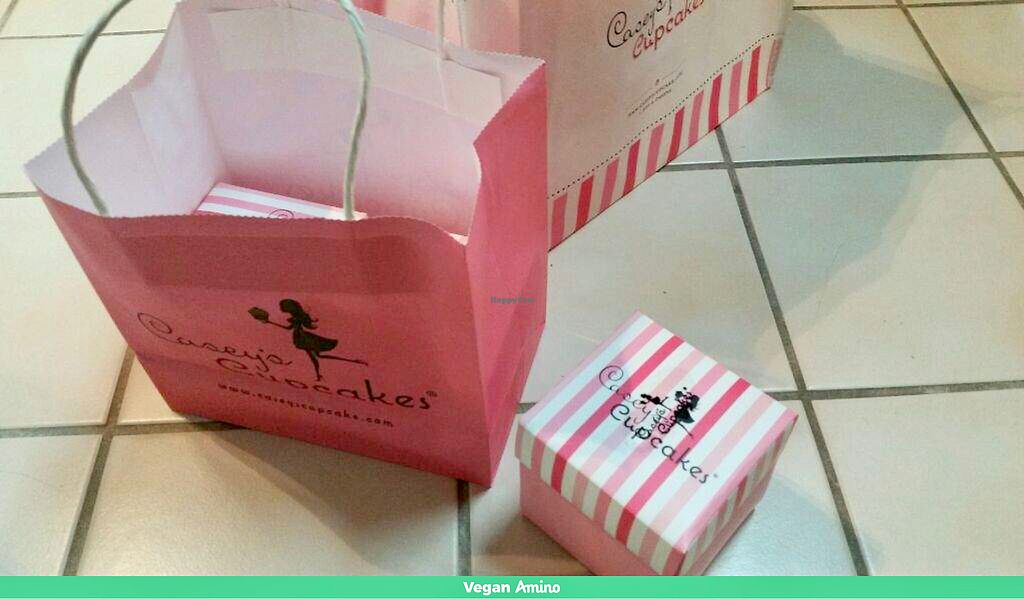 """Photo of Casey's Cupcakes  by <a href=""""/members/profile/LoneCrone"""">LoneCrone</a> <br/>Packaging  <br/> July 31, 2017  - <a href='/contact/abuse/image/97537/287194'>Report</a>"""