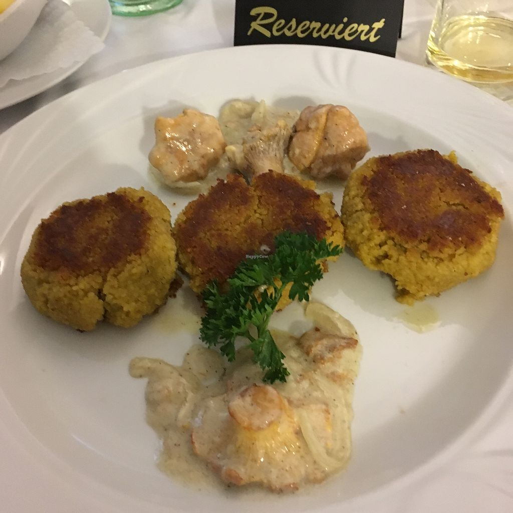 "Photo of Sembries  by <a href=""/members/profile/vegancookie243"">vegancookie243</a> <br/>Main course: couscous patties with chanterelle mushrooms in a cream sauce.... this dish comes with potatoes that are served separately <br/> September 22, 2017  - <a href='/contact/abuse/image/97544/307156'>Report</a>"