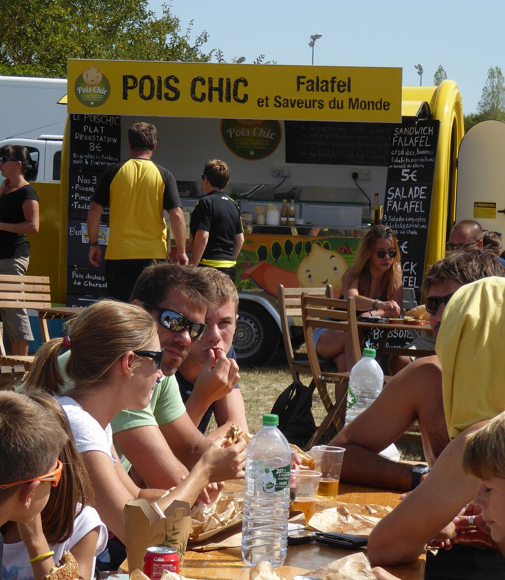 """Photo of Pois Chic - Food Truck  by <a href=""""/members/profile/redredread"""">redredread</a> <br/>Un option végé au Food Trust Festival <br/> August 1, 2017  - <a href='/contact/abuse/image/97600/287511'>Report</a>"""