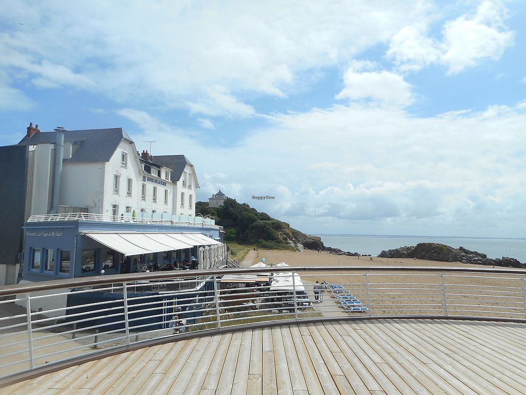 "Photo of La Plage de Monsieur Hulot  by <a href=""/members/profile/ConnieB"">ConnieB</a> <br/>View of the restaurant <br/> August 5, 2017  - <a href='/contact/abuse/image/97655/289432'>Report</a>"