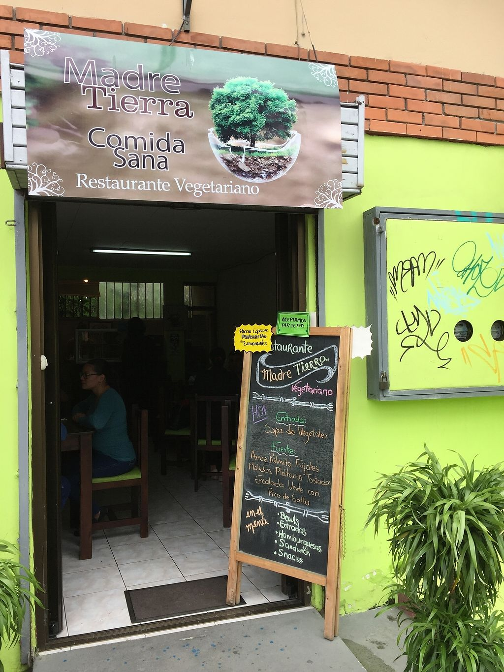 "Photo of CLOSED: Madre Tierra  by <a href=""/members/profile/MP81"">MP81</a> <br/>Front view of the restaurant <br/> August 3, 2017  - <a href='/contact/abuse/image/97719/288147'>Report</a>"