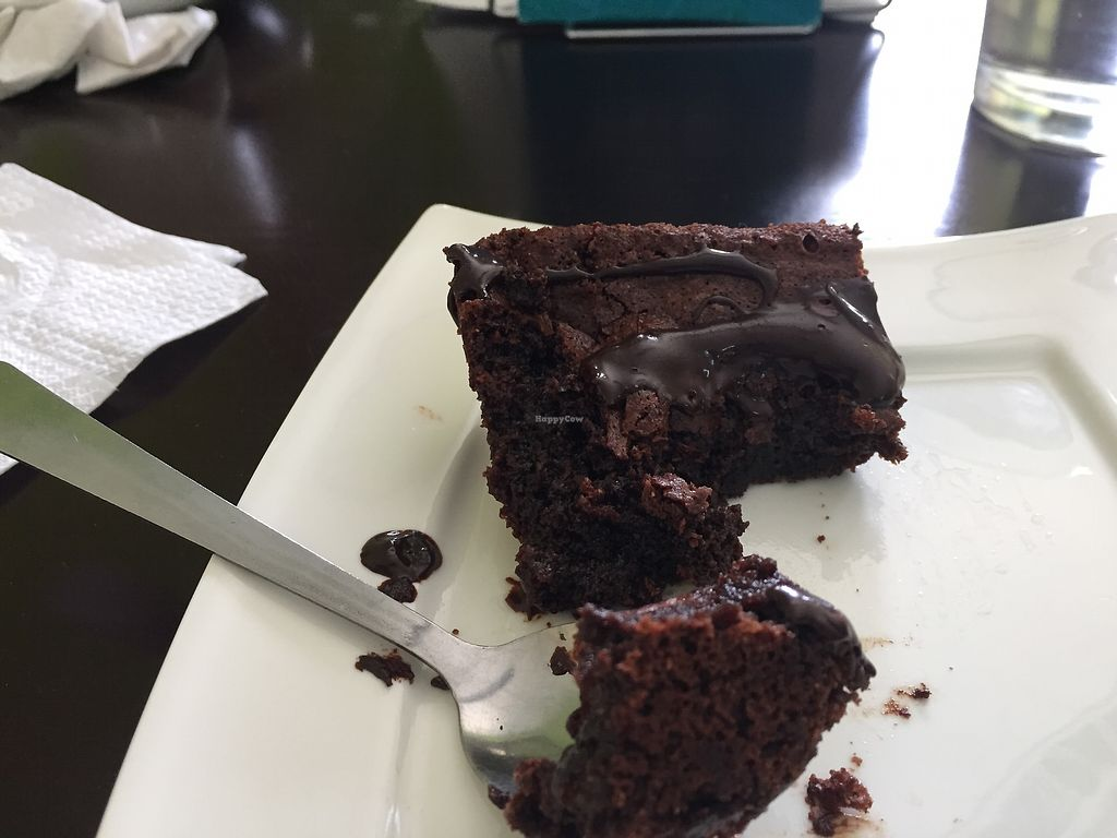 "Photo of CLOSED: Madre Tierra  by <a href=""/members/profile/MP81"">MP81</a> <br/>Vegan, gluten-free brownie <br/> August 3, 2017  - <a href='/contact/abuse/image/97719/288149'>Report</a>"