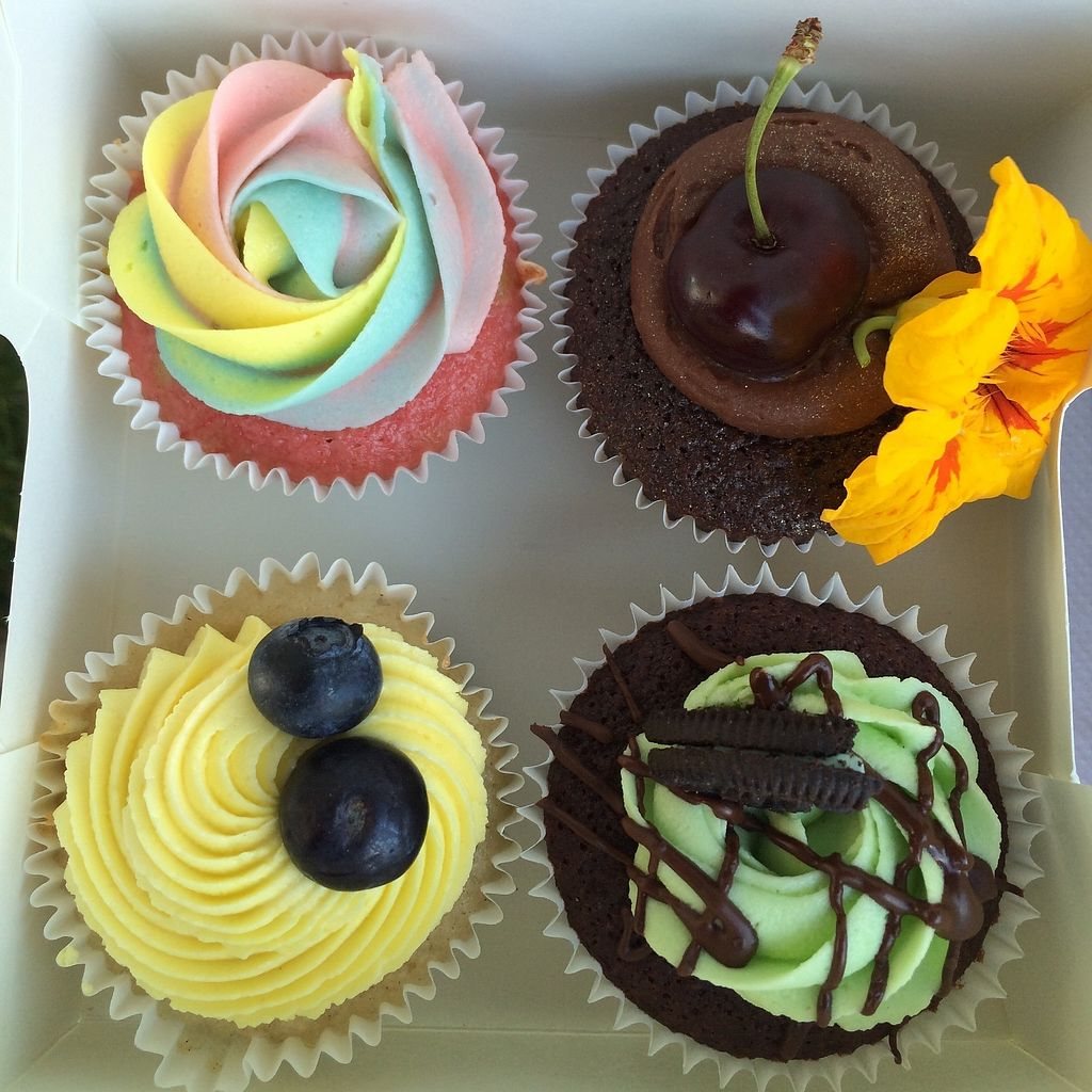 """Photo of Natacake  by <a href=""""/members/profile/NATACAKE"""">NATACAKE</a> <br/>A selection of delicious cupcakes, vanilla rainbow, blackf forest, lemon and bluberry and chcolate mint with an Oreo quarter <br/> August 3, 2017  - <a href='/contact/abuse/image/97780/288393'>Report</a>"""