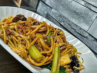 "Photo of Dragon Gate Vegetarian  by <a href=""/members/profile/Peace%20..."">Peace ...</a> <br/>Mee Goreng (S$4) <br/> January 28, 2018  - <a href='/contact/abuse/image/97900/351713'>Report</a>"