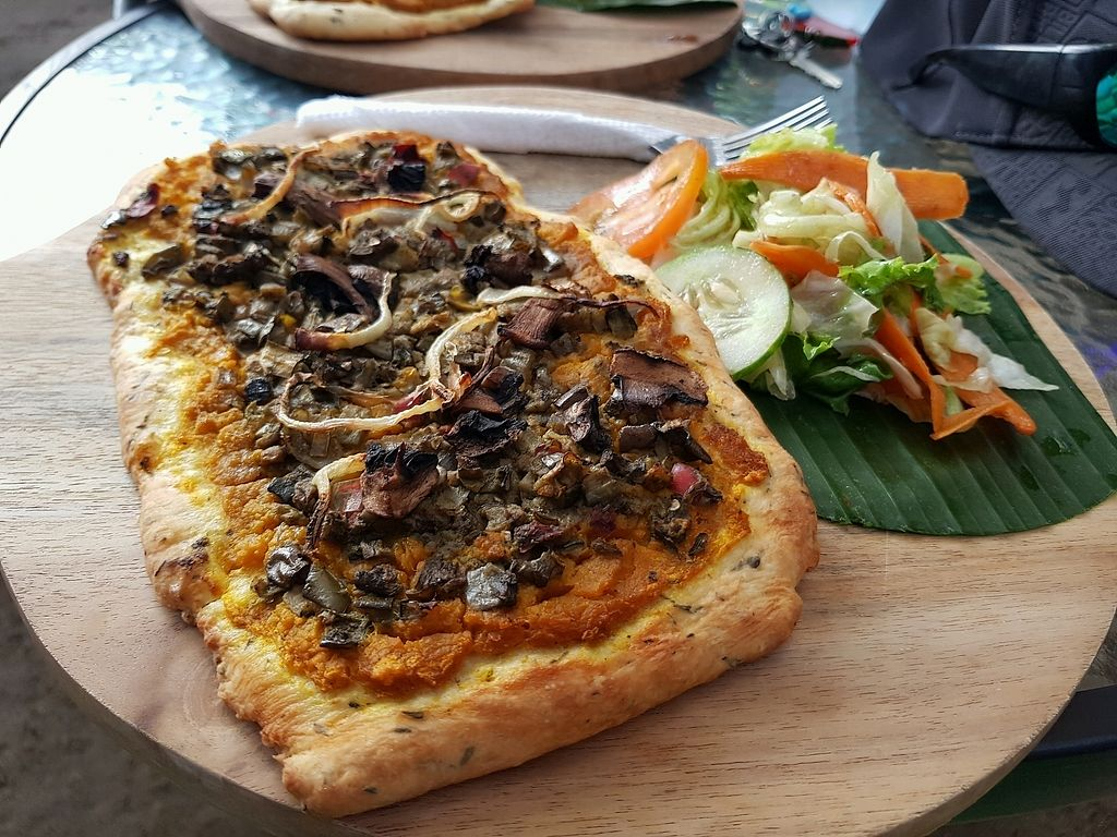 """Photo of Breadelicious  by <a href=""""/members/profile/MishyCow"""">MishyCow</a> <br/>Vegan Pizza with side salad IDR45,000 <br/> December 10, 2017  - <a href='/contact/abuse/image/97913/334204'>Report</a>"""