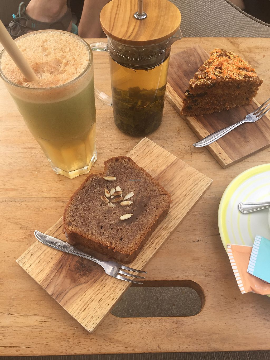 """Photo of Coffee & Thyme  by <a href=""""/members/profile/Laura_vegan"""">Laura_vegan</a> <br/>Banana bread and carrot cake <br/> November 8, 2017  - <a href='/contact/abuse/image/97981/323271'>Report</a>"""