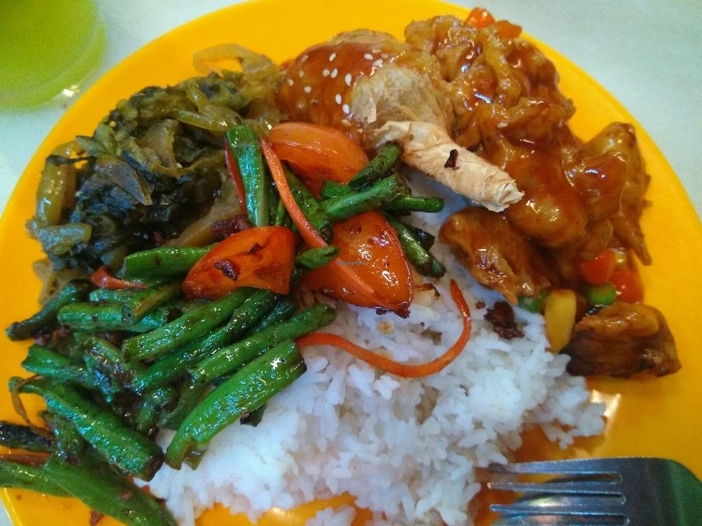 """Photo of Evergreen Vegetarian House  by <a href=""""/members/profile/Tongmei%E9%BB%83%E5%86%AC%E6%A2%85"""">Tongmei黃冬梅</a> <br/>nasi campur <br/> February 10, 2018  - <a href='/contact/abuse/image/9810/357249'>Report</a>"""